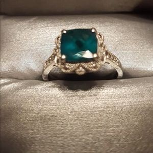 Zales emerald ring size7 💍